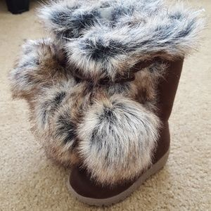 OLD NAVY infant girls size 5 faux fur boots brown